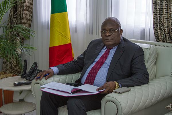 Le Ministre Calixte NGANONGO